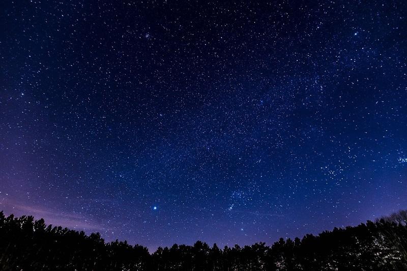 バイオレットは夜空の色